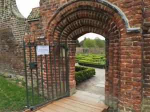 secret garden fulham palace